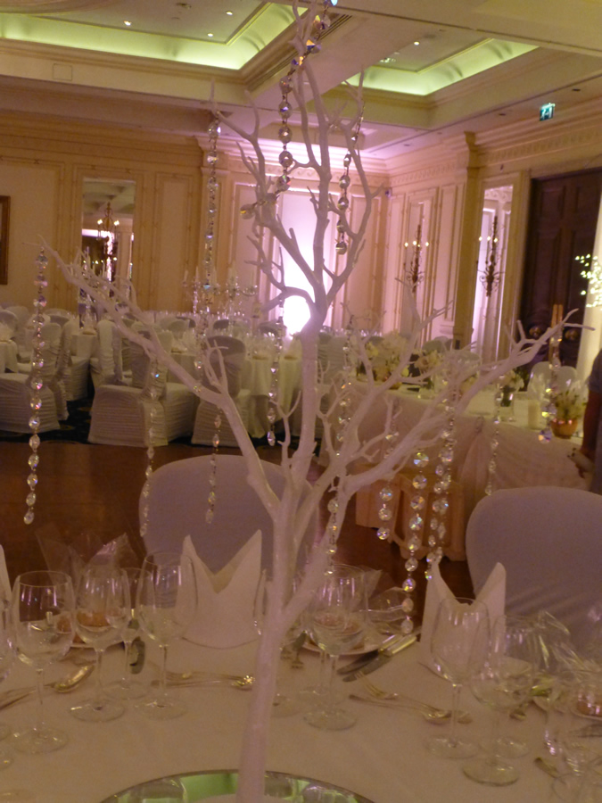 Twig d cor wedding lounge for Twigs decoration for weddings