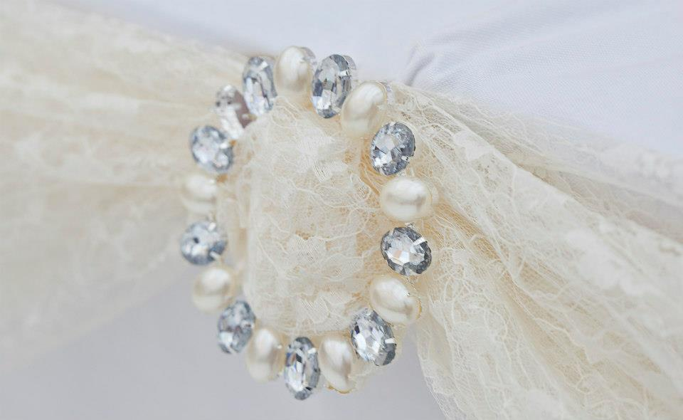 Lace and pear and diamanté ring