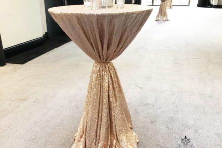 Sequin poseur table cloth